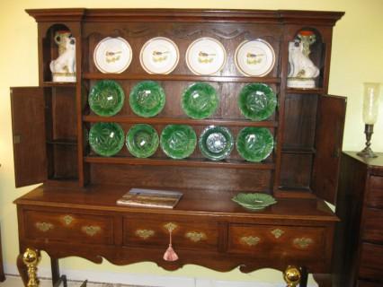 18th C Oak Welsh Cupboard        SOLD