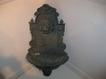 Hanging Lion Fountain